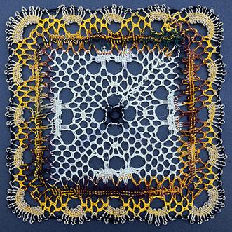 Un carré en couleurs de Inès (modèle de lace express)