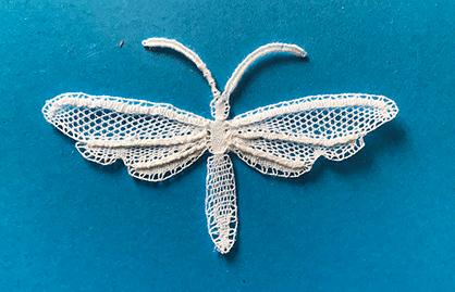 Papillon dentelle Duchesse de Vivien (modèle de U.LÖHR)