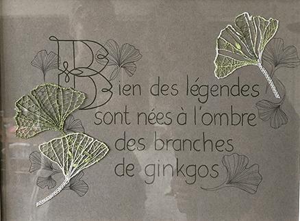 Mise en scène de feuilles de Ginkgo par Régine (modèle mj massol)